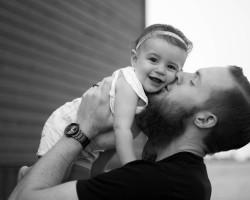 TRUDNE SŁOWA, czyli kiedy powiedzieć dziecku o tym, że jest adoptowane?