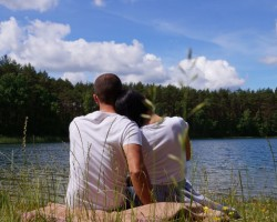 MIŁOSNE ZAWIROWANIA - czy introwertyk jest w stanie pokochać ekstrawertyczkę?